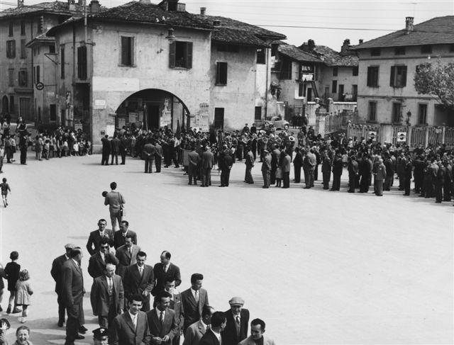 19 - Altro momento dell'intitolazione della cerimonia in piazza