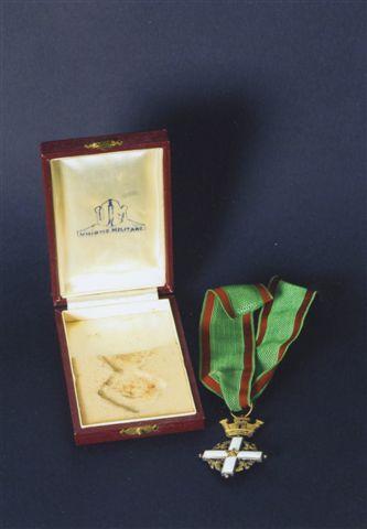 38 - Insegna di Cavaliere della Repubblica Italiana