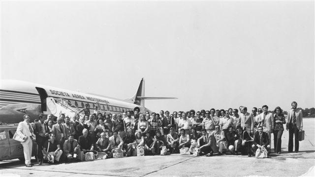51 - Alberto Pagliarini a Parigi con il gruppo di clienti e collaboratori - 1973