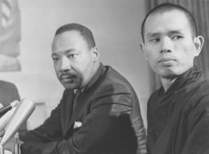 M. L. King e il monaco zen Nhat Hanh nel 1967 negli Usa, in occasione della candidatura al Nobel per la Pace.