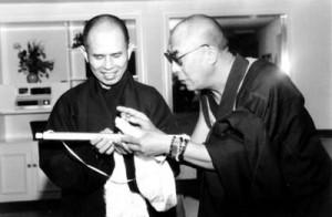 I due principali leader del Buddhismo mondiale: il monaco e maestro Zen, Thich Nhat Hanh, con Sua Santità il Dalai Lama
