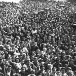 """Marea di folla a Ghiaie a fine maggio 1944: per non dare """"un dispiacere alla Madonna"""", Bergamo non fu bombardata dagli Alleati."""