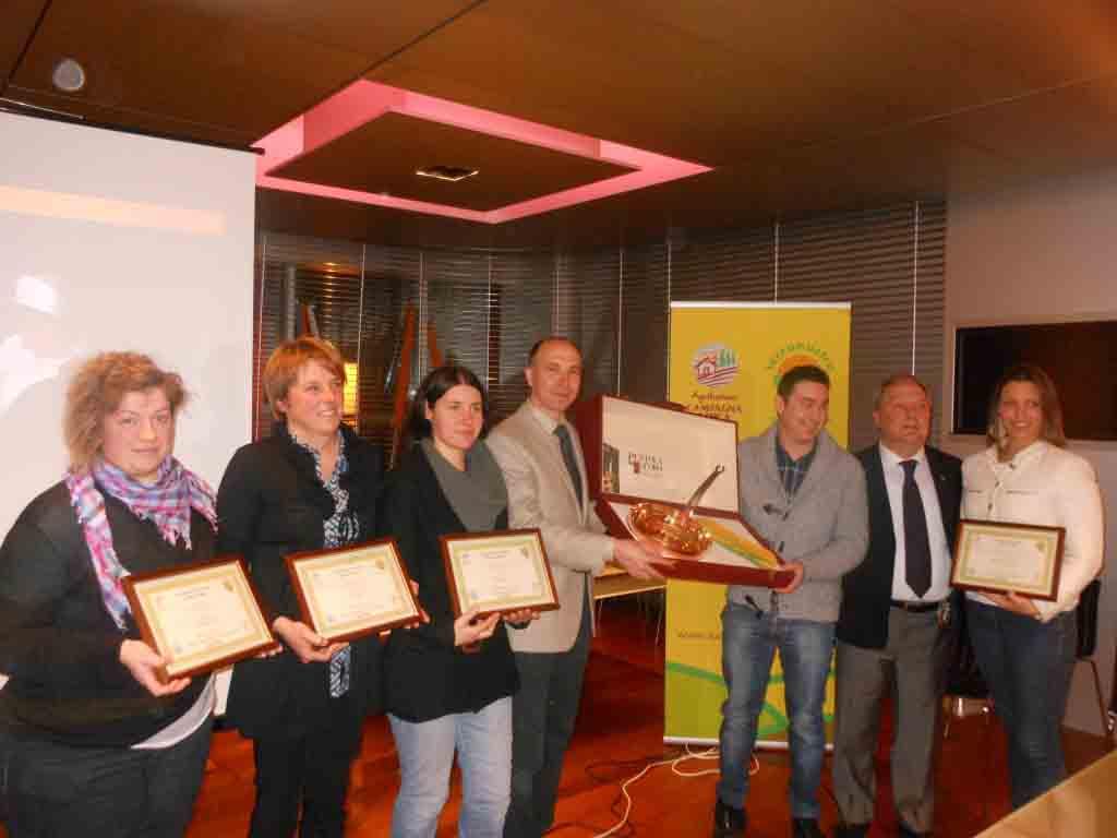 I cinque premiati con il presidente Coldiretti Brivio e il presidente di giuria Foglieni.