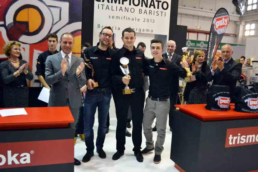 La premiazione: da sinistra Uberti-Grassi-Bacaintan-Cavaglieri.