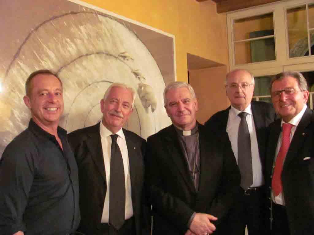 Da sinistra, Arrigoni, Magri, mons. Beschi, Andreana, Piombi.