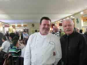 Gli chef Diego Pavesi e Flavio Mazzilli in Piazza Valcalepio.