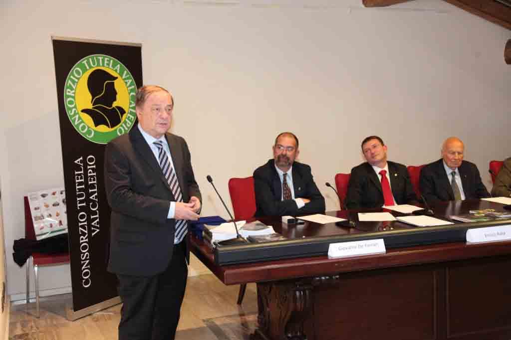 Da sin. il sindaco  di Bergamo Tentorio, De Ferrari, Enrico Rota, Grumelli Pedrocca.